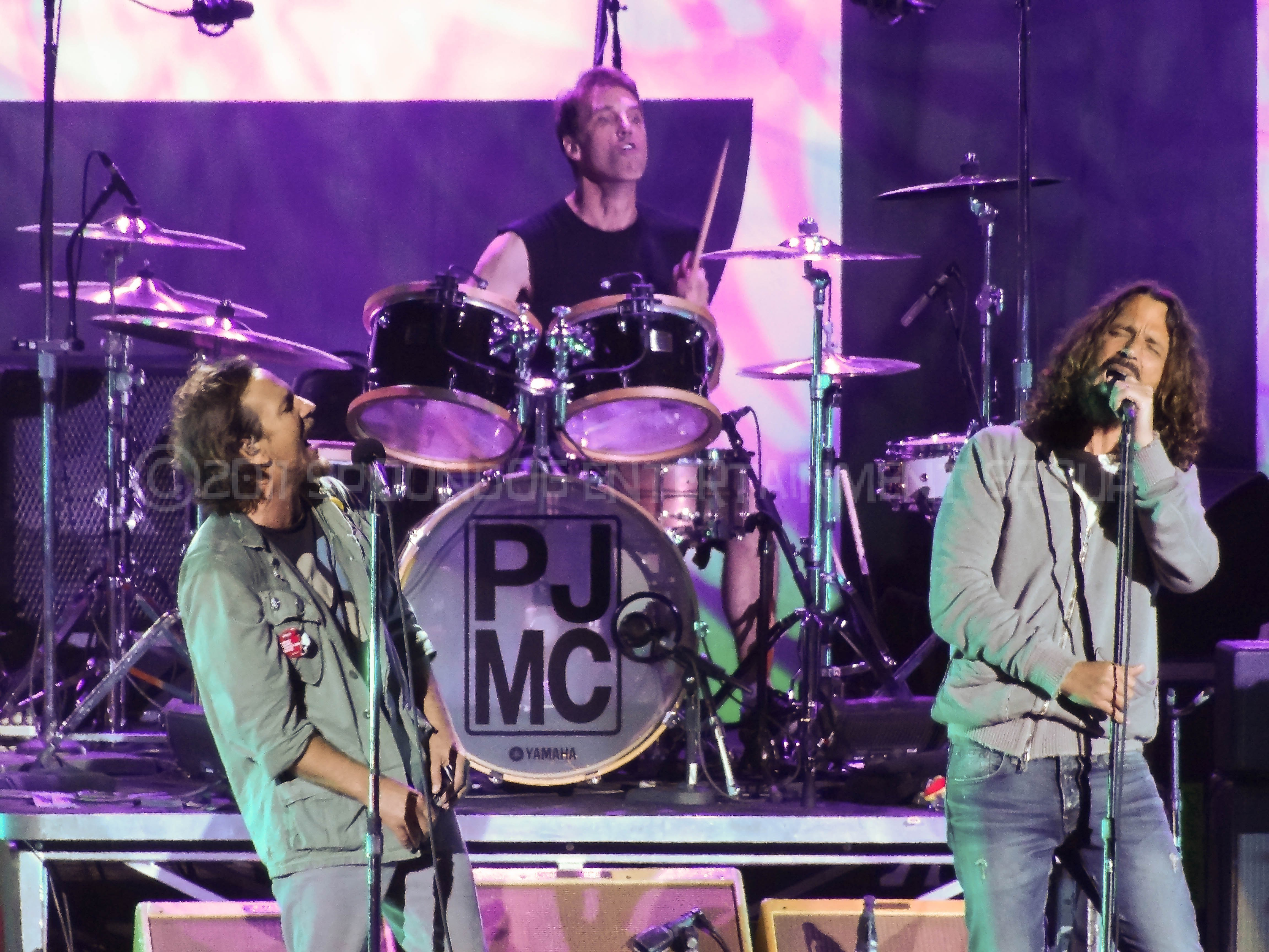 anti pitchfork announcing the first ever temple of the dog tour tickets on sale july 29. Black Bedroom Furniture Sets. Home Design Ideas